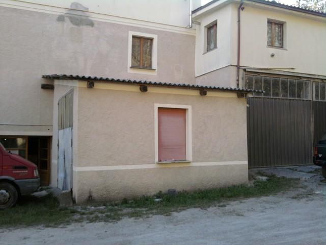 Appartamento cod 001 appartamenti compiano in vendita for Appoggiarsi all aggiunta al garage