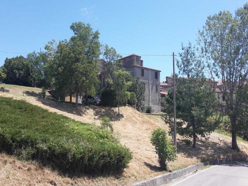 Rustici in pietra agenzia immobiliare valtaro casa for Piani di casa rustici